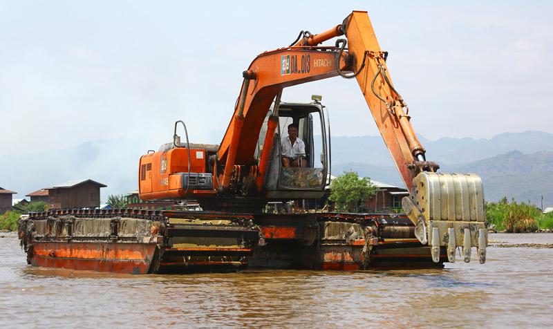 Excavator -pontoon