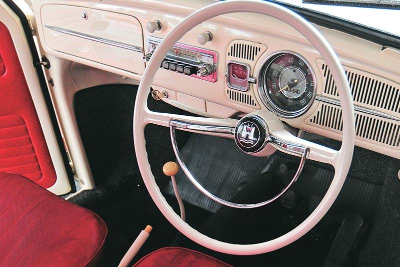 Volkswagen -beetle -dash