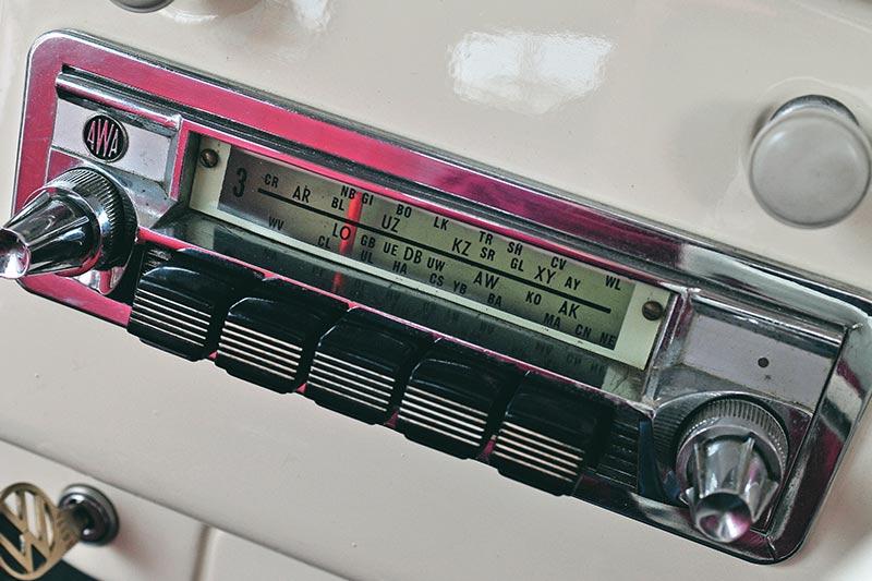 Volkswagen -beetle -radio