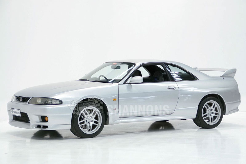 Shannons -Autumn -auction -R33-GTR