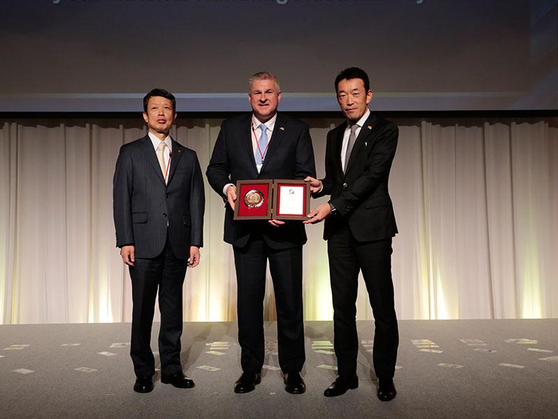 (from left to right) Mr Akira Onishi, President Toyota Industries Corporation, Steve Takacs President and CEO TMHA, Tom Nakazawa Chairman TMHA
