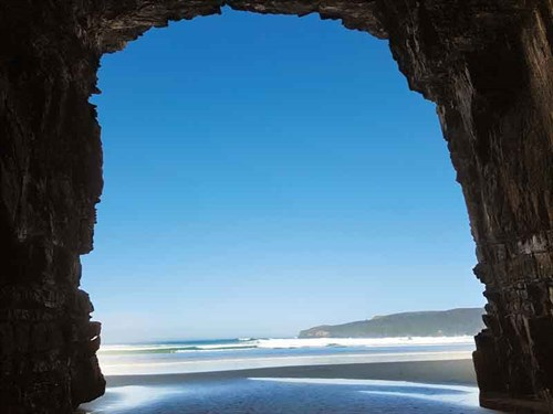 Cathedral -Caves -is -a -must -see -at -low -tide