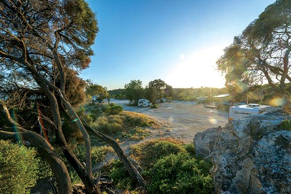 Cliff -Head -campsite -on -the -Mid -West -Coast -WA