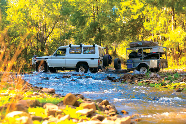 4WD-crossing -the -Turon -river
