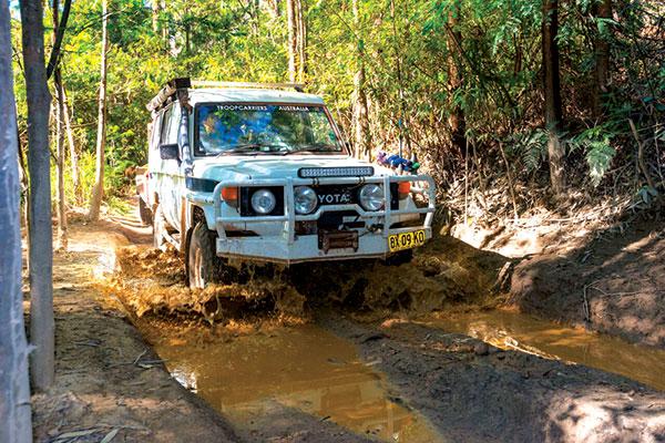 4WD-through -a -bog -hole