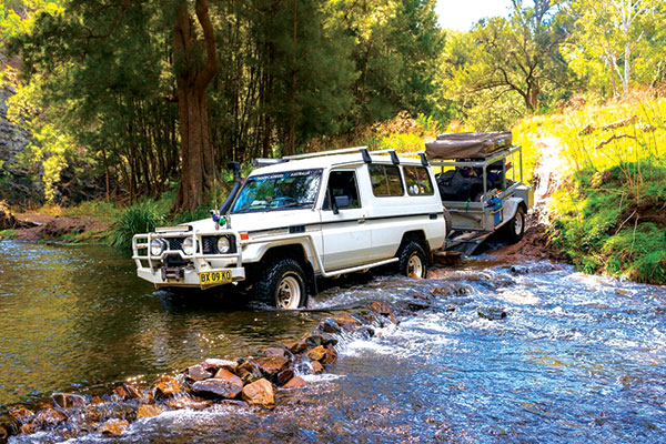 4WD-crossing -the -Turon -river -2