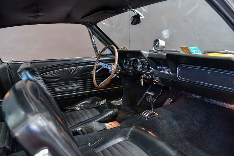 Gosford -preview -American -Mustang -interior