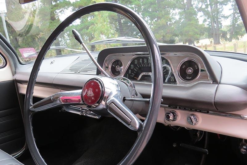 Holden -eh -dash -2