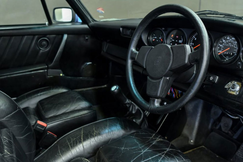 Gosford -Germans -Porsche -911-Turbo -interior