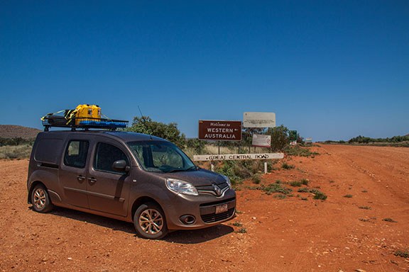 The Renault Kangoo at the Western Australia and Northern Territory border