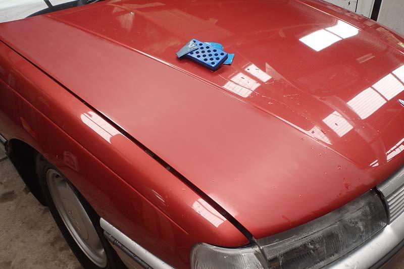 Holden -commodore -bonnet -2