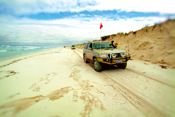4WD-along -beach -to -Cape -Le -Grand