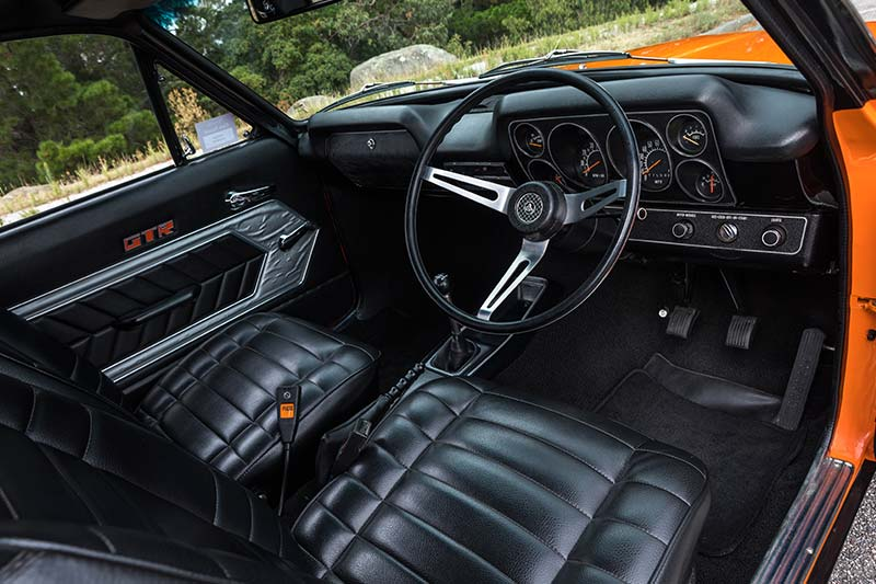 Holden -torana -interior -front