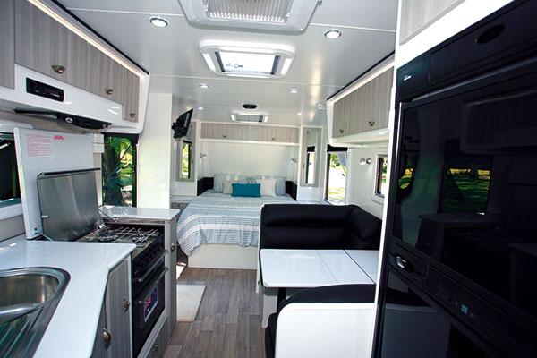 Eden -Trackvan -5