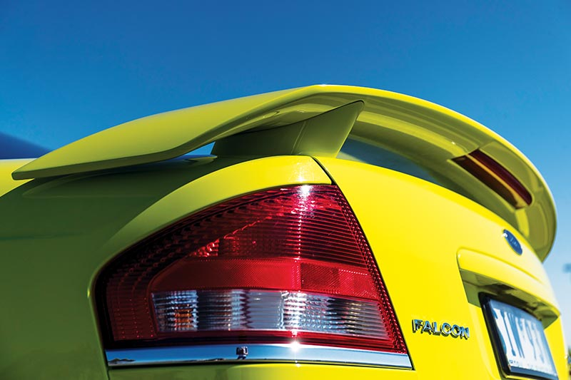 Ford -falcon -xr 6-tail -light