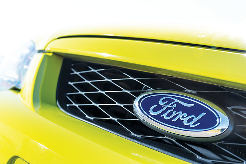 Ford -falcon -xr 6-grille