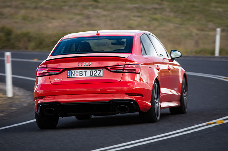 Audi -onroad -rear