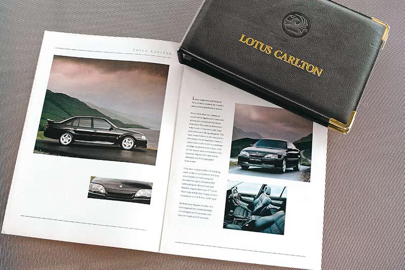 Lotus -carlton -books