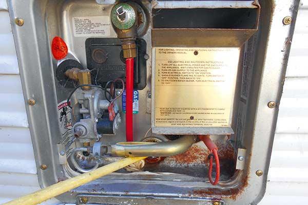 Water -heater -anode -rod -DIY-7