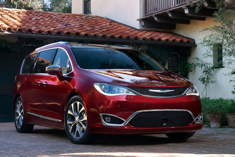 Chrysler -badge -Pacifica