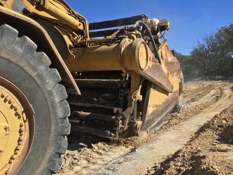 Caterpillar 633C scraper | Used Equipment Review