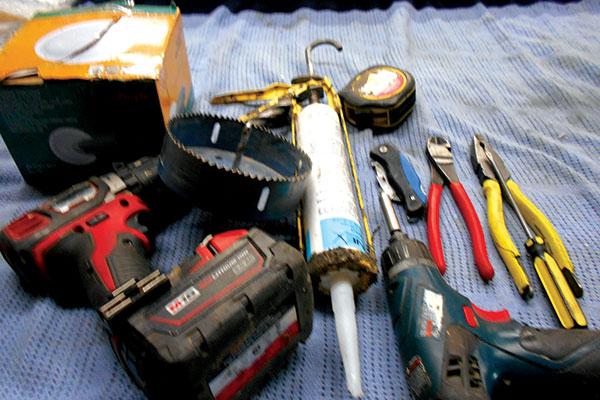 DIY-external -speakers -tools