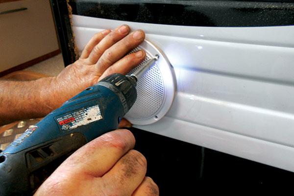 Installing -DIY-external -speakers -9