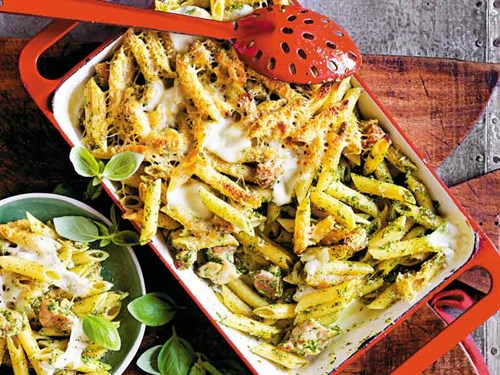 WW1603_Food -pasta _Chicken -and -pesto -bake 01