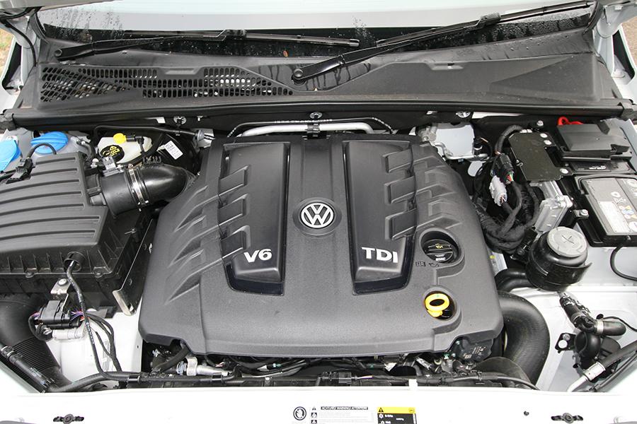 Arms Race Volkswagen Amarok V6 review