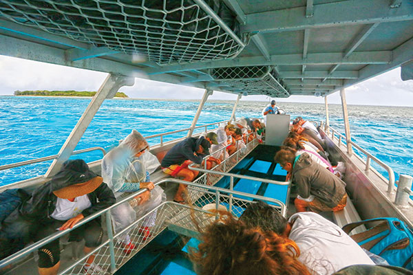 Lady -Musgrave -Island -Great -Barrier -Reef -boat -tour