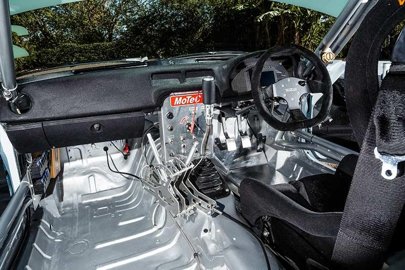 Mazda -rx 7-interior