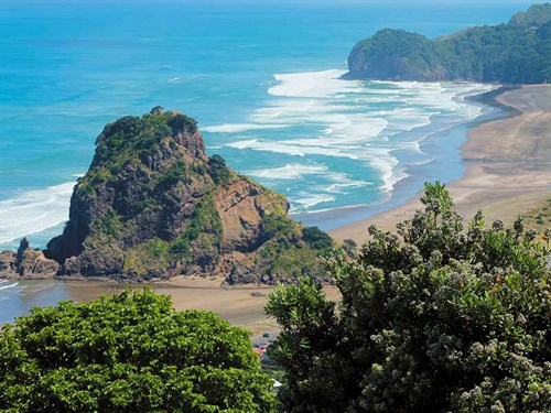Piha ---a -beautiful -beach -with -a -reputation -for -danger-