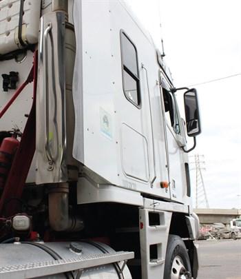 Dave 's Freightliner3
