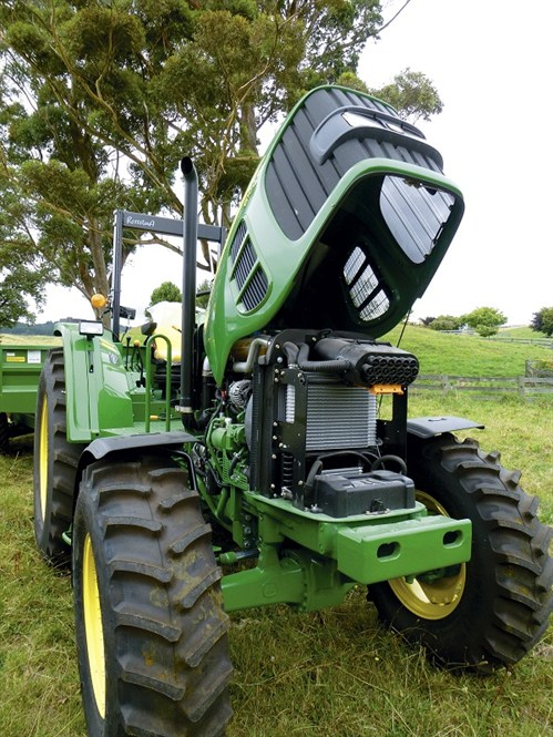 John Deere 6100D Engine