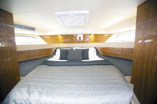 MARITIMO M45 MASTER BEDROOM