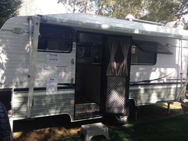 Supreme Classic Lite Caravan