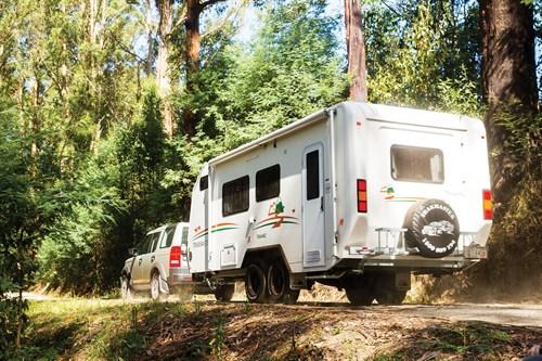 Driving Trakmaster Tanami Caravan