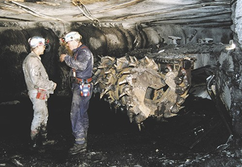 Sandvik -bolter -miner -underground