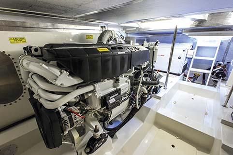 MARITIMO S50 ENGINE ROOM