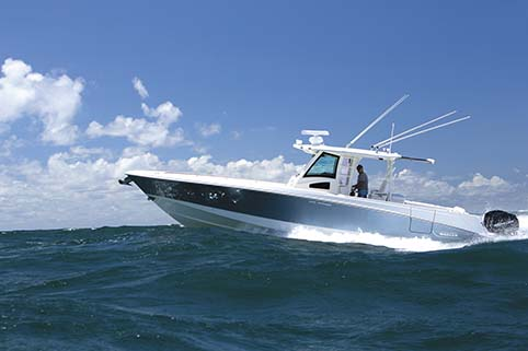 BOSTON WHALER 370 OUTRAGE BOAT