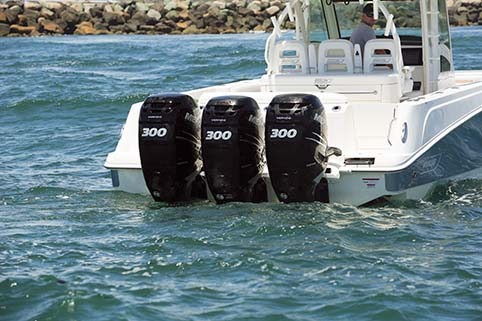 BOSTON WHALER TRIPLE OUTBOARDS