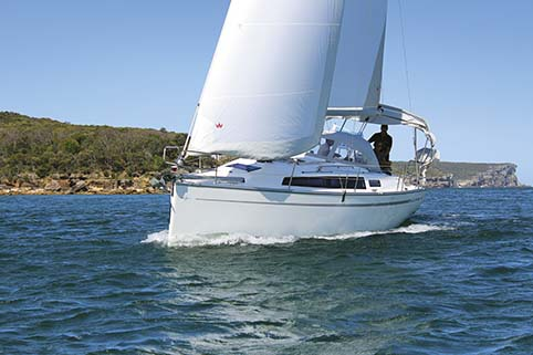 BAVARIA CRUISER 33 SAILING BOAT