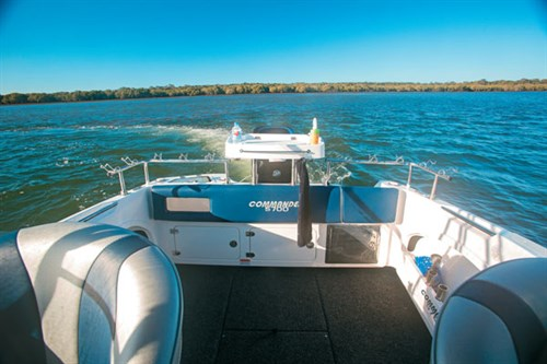 STREAKER 5700 DECK AND TRANSOM