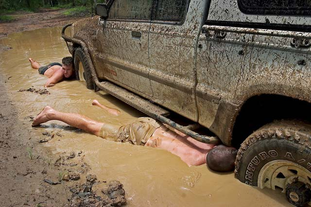 Men In Mud With 4wd