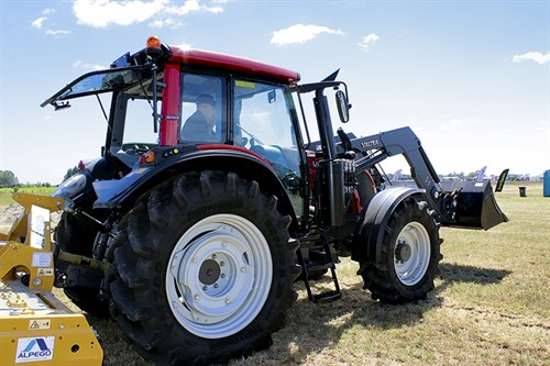 3385_Valtra -N113-tractor _2