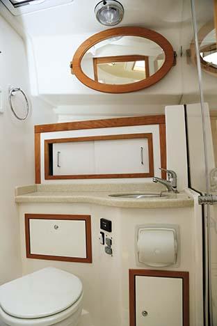 BACK COVE DOWNEAST 37 BATHROOM
