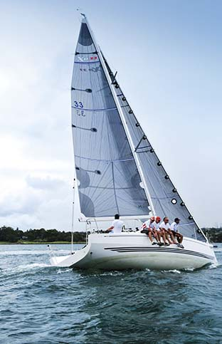 X-YACHTS XP 33 LEANING