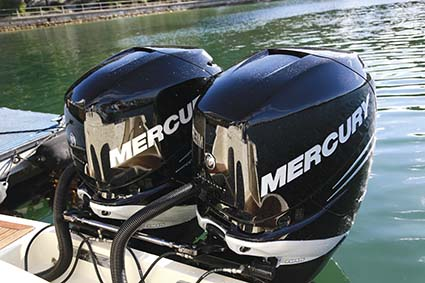 CHRIS-CRAFT CATALINA-29 TWIN MERCURY ENGINES