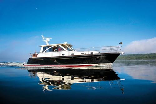 Hunt Express 44 Yacht