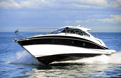 CRUISERS YACHTS 41 CANTIUS TURNING
